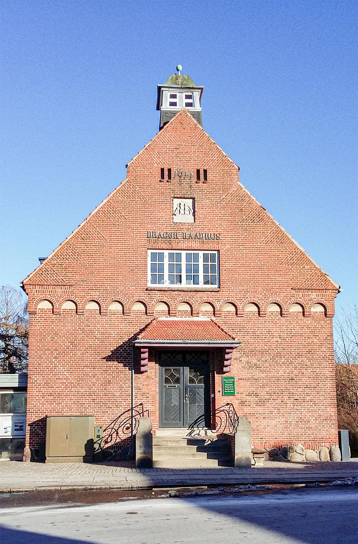 Siden 2001 har man kunnet finde Historisk Arkiv Dragør i det gamle rådhus på Stationsvej 5. Foto: Historisk Arkiv Dragør.