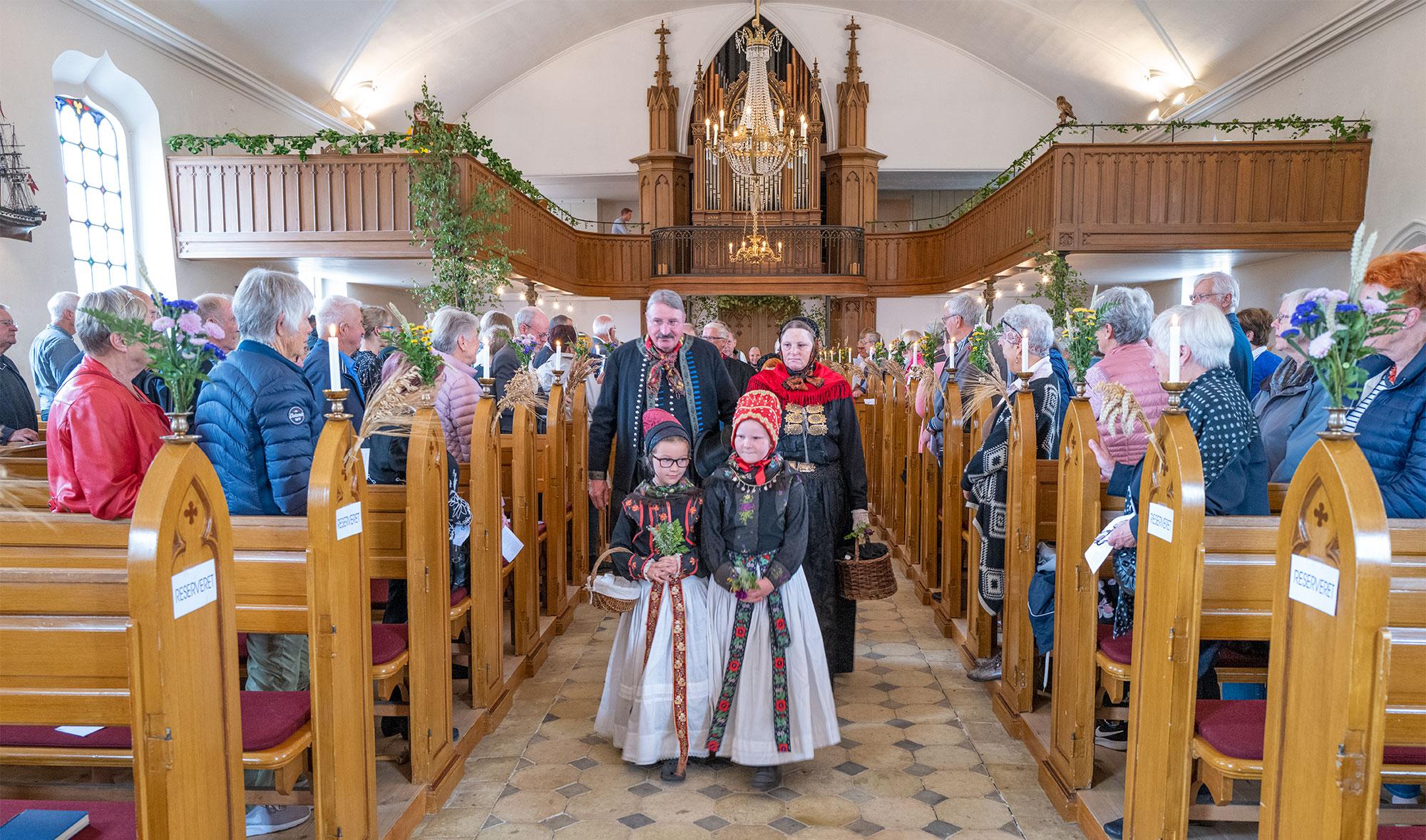 Smuk høstgudstjeneste i Store Magleby Kirke. Arkivfoto: TorbenStender.