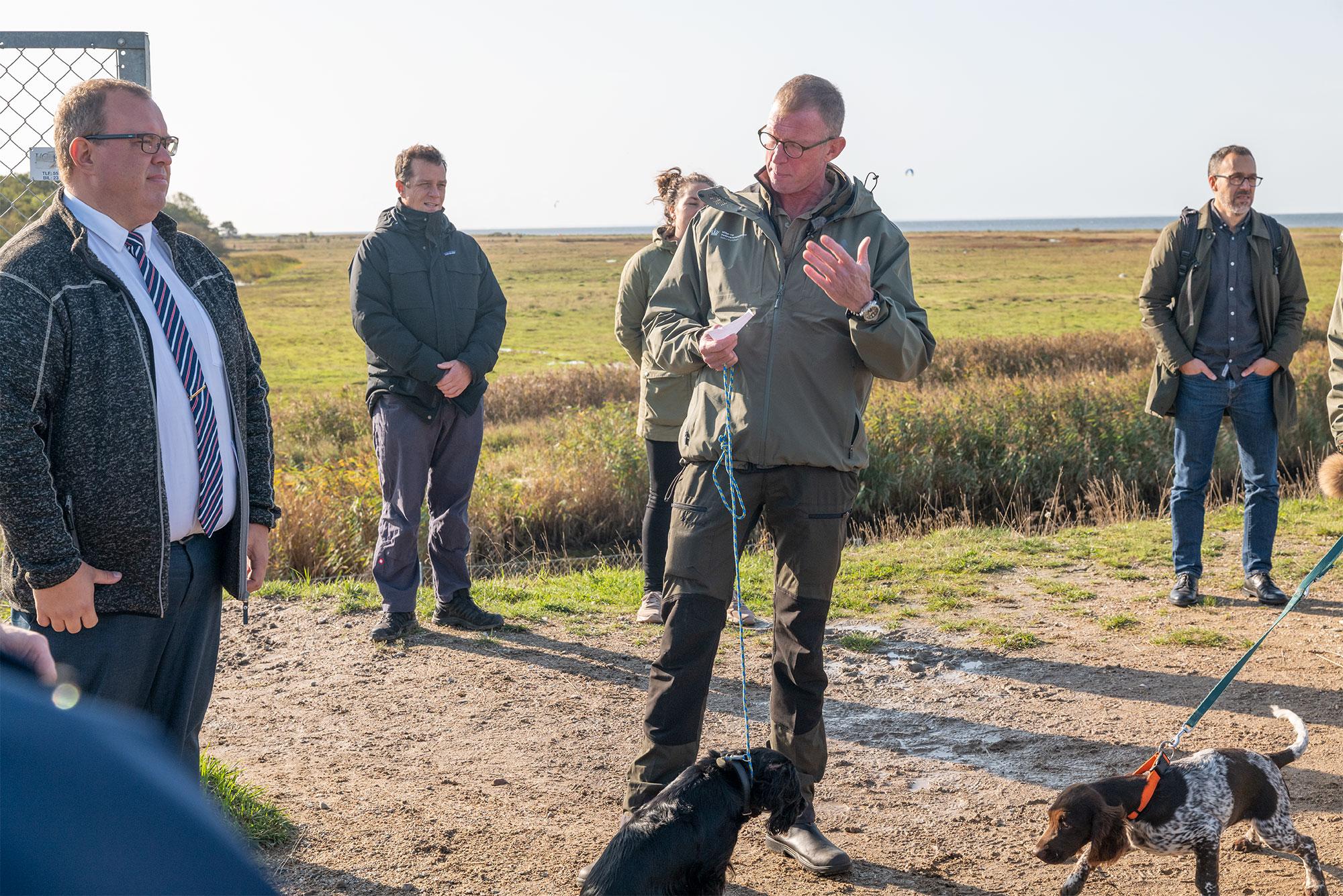 Naturvejleder Jes Aagaard fra Naturstyrelsen holder åbningstale. Foto: TorbenStender.